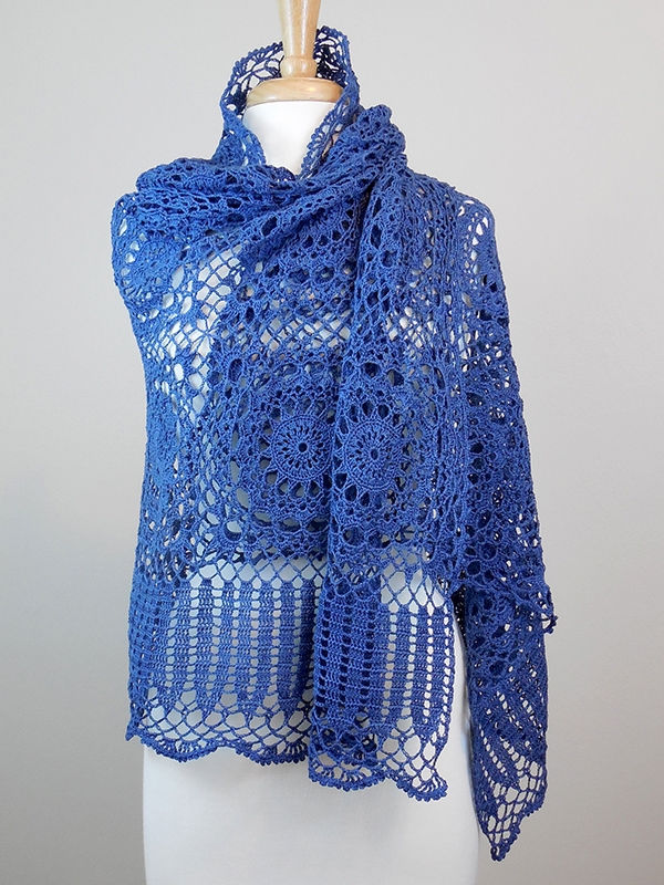 Elegant Motif Shawl Photo