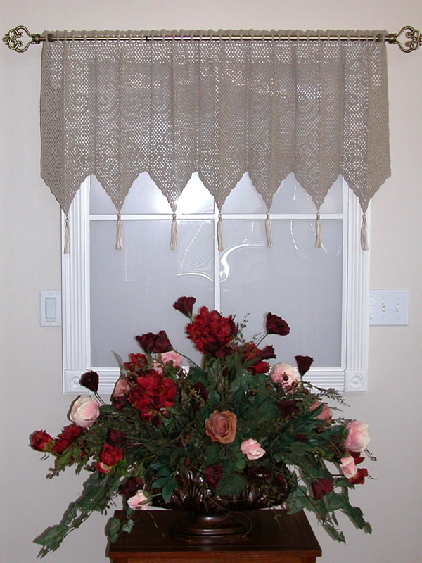 Diamond Medallion Valance Photo